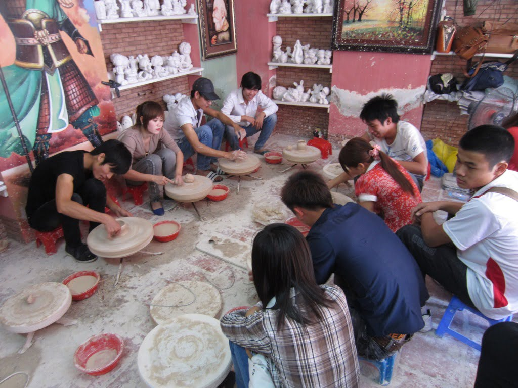 HANOI TOUR :DUONG LAM ANCIENT VILLAGE VAN PHUC SILK VILLAGE (1 DAY) 1