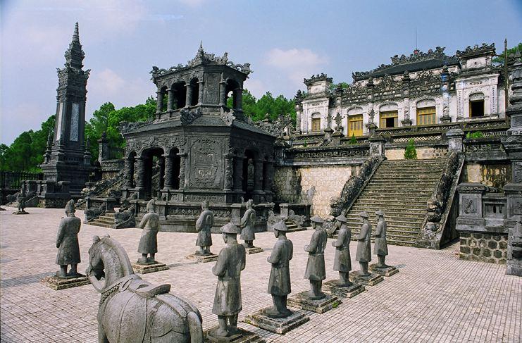 TOUR HO CHI MNH CITY – DA LAT – NHA TRANG – DA NANG – HOI AN - HUE – HA NOI – HA LONG - SAPA 7