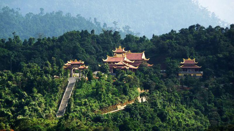 Du lịch Xuyên Việt 12 ngày 11 đêm khởi hành từ Tp.HCM 3