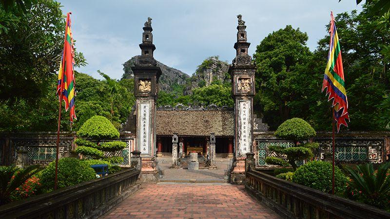 Tour du lịch Hoa Lư Tràng An 1 ngày 1
