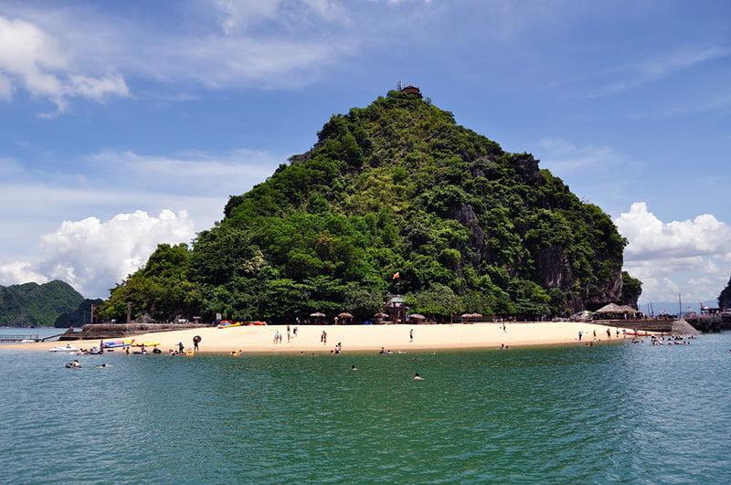 TOUR HA NOI – HA LONG – SAPA - DA NANG – HOI AN – HUE – HCMC – MEKONG DELTA 1