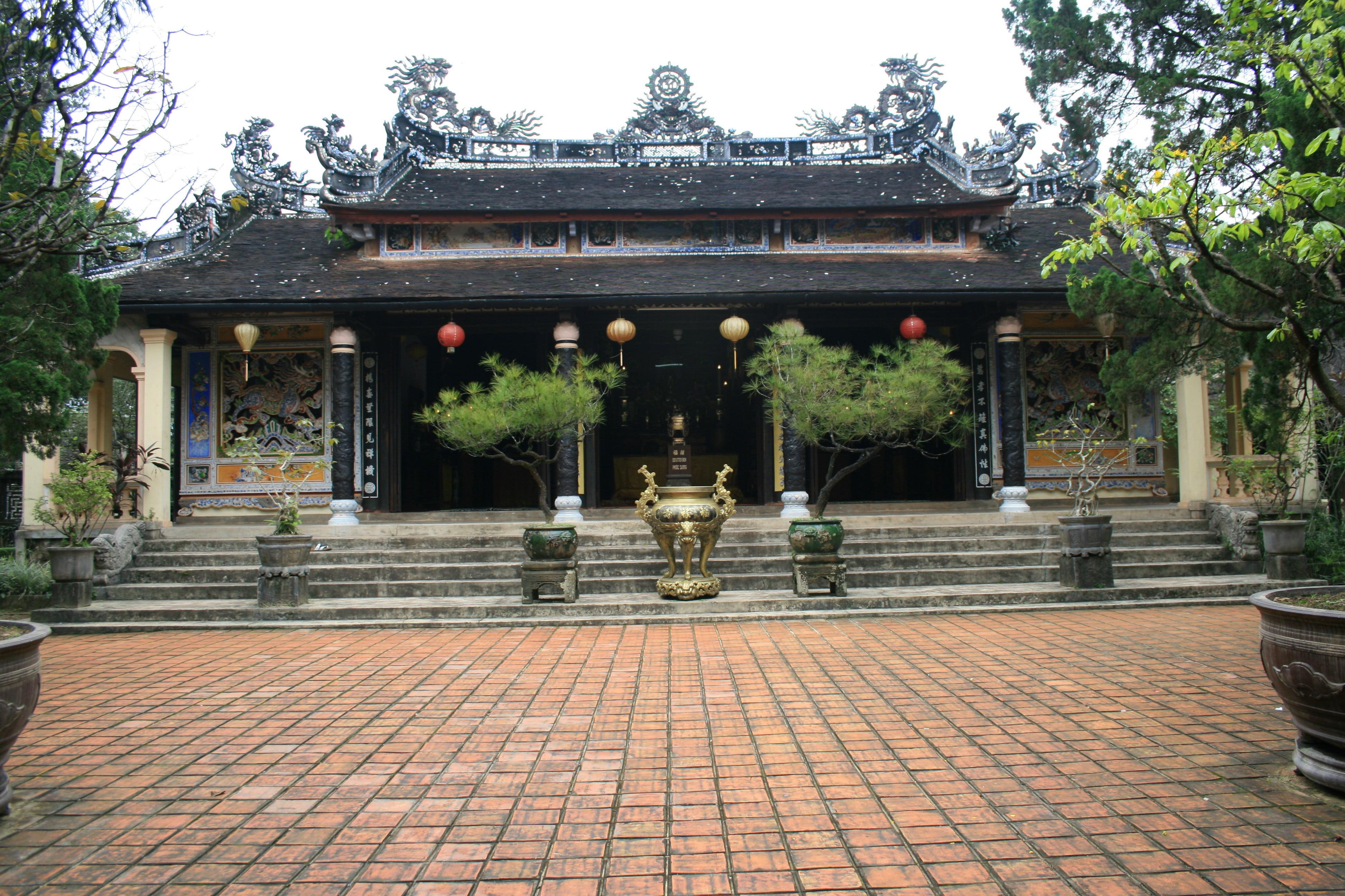 TOUR HA NOI – HA LONG – NINH BINH - DA NANG – HOI AN – HUE – HCMC – MEKONG DELTA 7