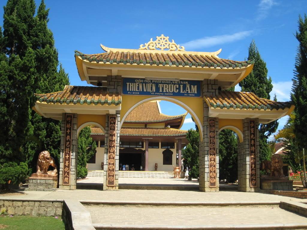 TOUR HO CHI MNH CITY – CU CHI TUNNEL – MUI NE – DA LAT – NHA TRANG – DA NANG – HOI AN - HUE 3